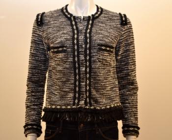 Poupée actuelle Entrez vêtements et très de urbaine Chicune la l'univers femme dans marque collection de colorée espagnole pour une TFKl1Jc